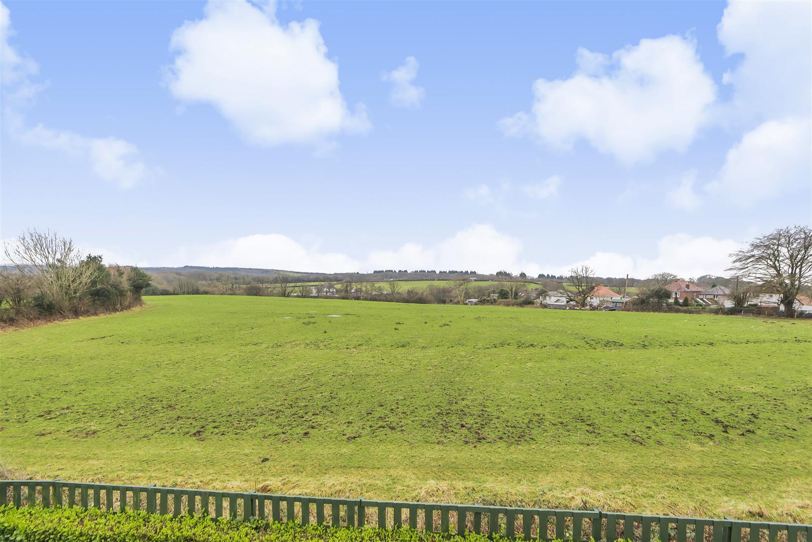 Pen Y Bryn, Upper Killay, Swansea, SA2 7BG